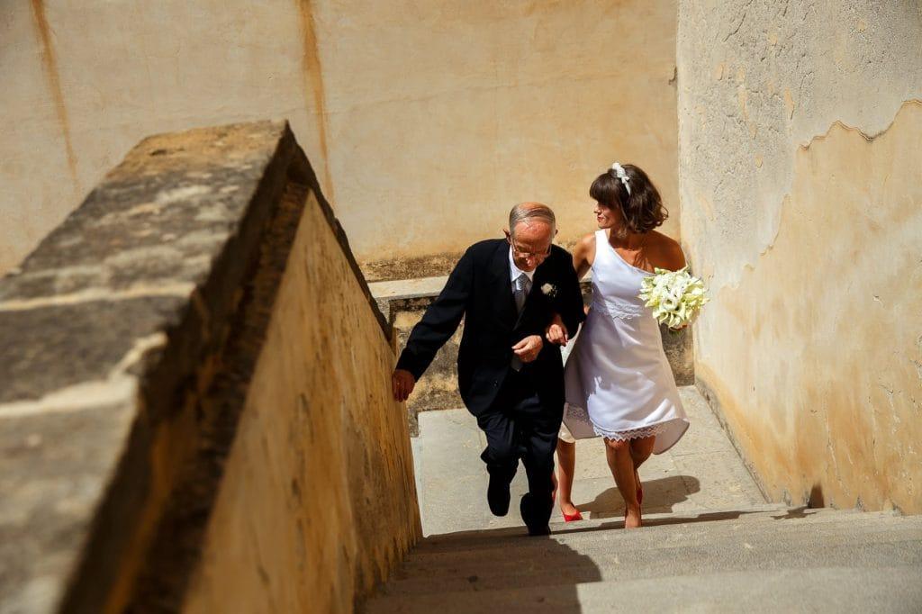 matrimonio in sicilia arrivo della sposa con il papˆ
