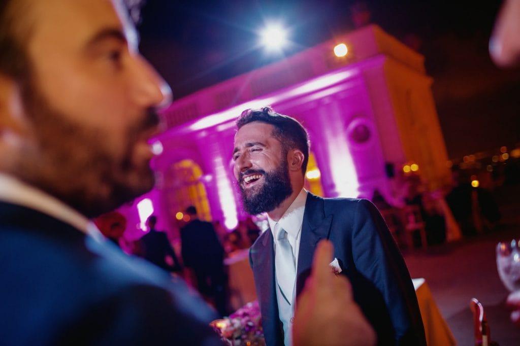 lo sposo che ride al ricevimento di matrimonio a villa miani