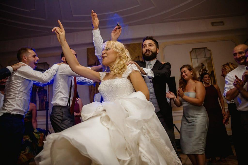 il fotografo matrimonio villa miani coglie momenti dei balli degli sposi