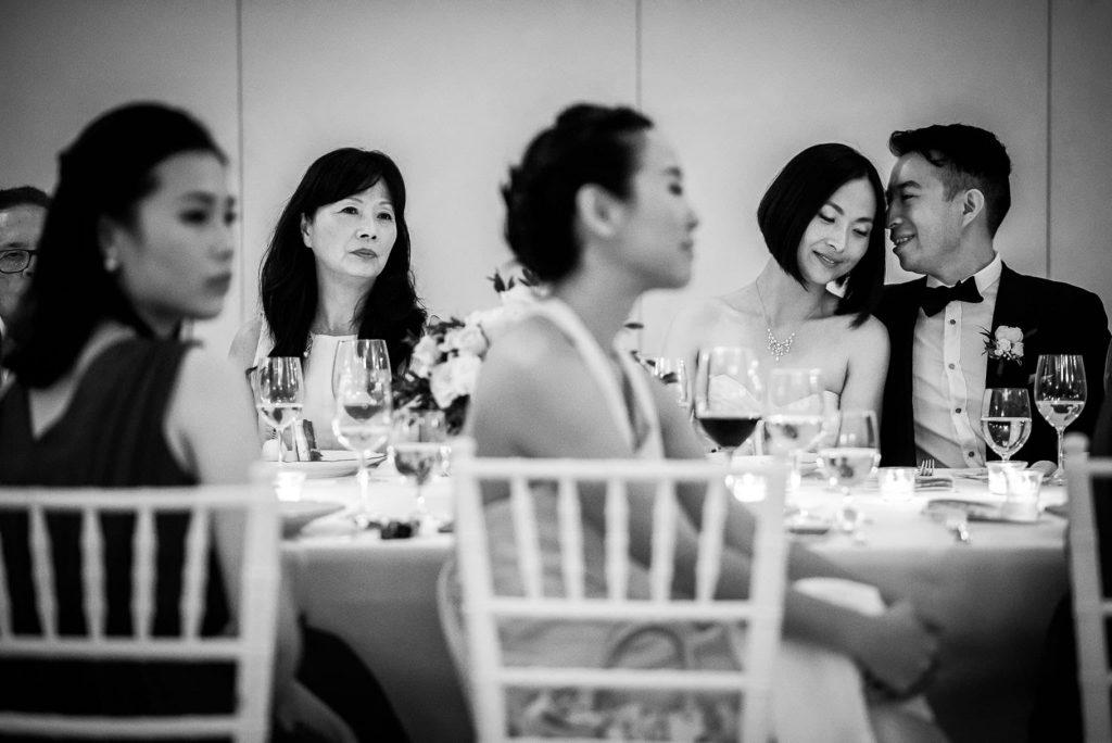 intimita' degli sposi al tavolo di nozze