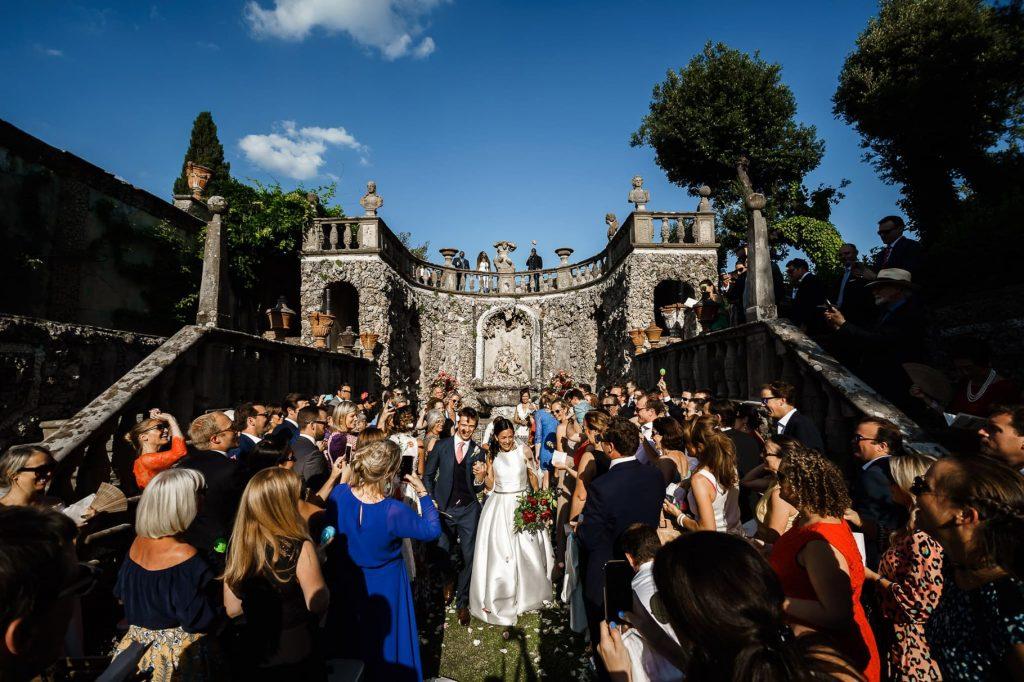 lancio del riso al matrimonio a villa gamberaia a Firenze