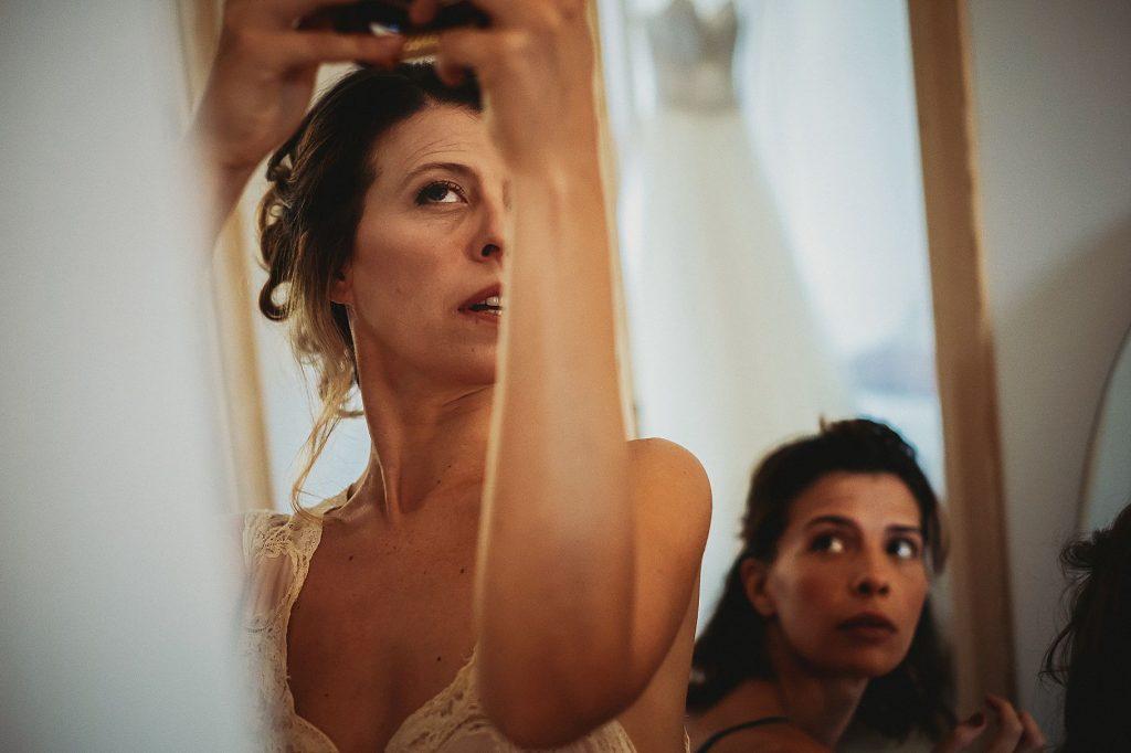 la sposa si prepara per il matrimonio a il conventino di Mentana